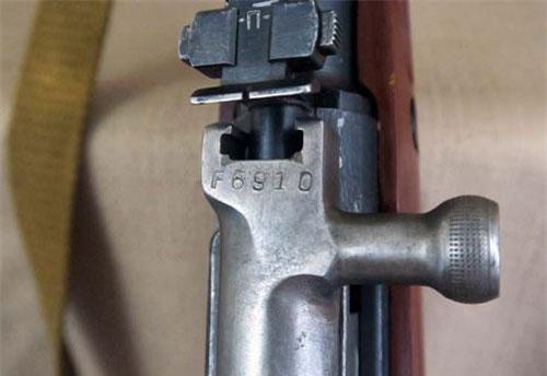 Cận cảnh súng trường quân sự CKC do Trung Quốc chế tạo
