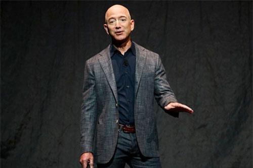Jeff Bezos. Ảnh: Washington Post.