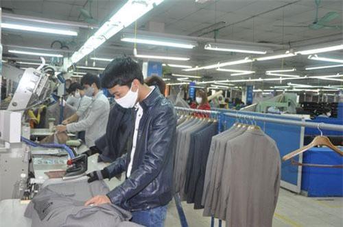 5 mặt hàng xuất khẩu chủ lực của Việt Nam là: thủy sản, rau quả, đồ gỗ, giày dép, dệt may sẽ có cơ hội tăng trưởng xuất khẩu mạnh khi EVFTA có hiệu lực.