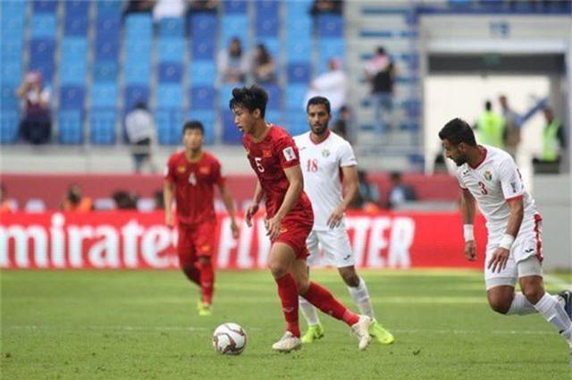 Văn Hậu và cầu thủ Việt Nam ra nước ngoài thi đấu: Từ hiện tượng đến xu thế - 1