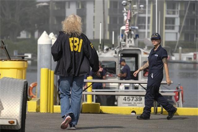 Cháy tàu kinh hoàng ở ngoài khơi California, Mỹ, hơn 30 người thiệt mạng - Ảnh 3.