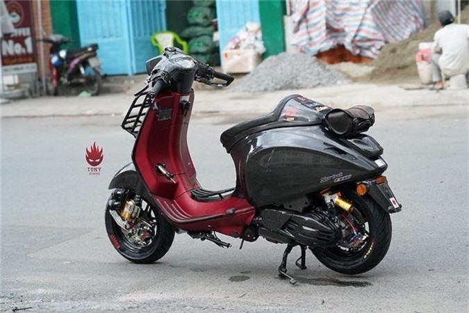 Vespa Sprint do full carbon, phong cach xe dua tai Sai Gon-Hinh-2