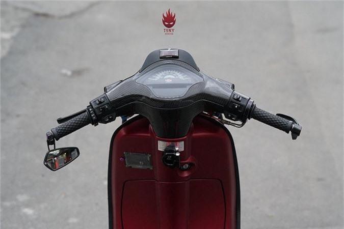 Vespa Sprint do full carbon, phong cach xe dua tai Sai Gon-Hinh-3