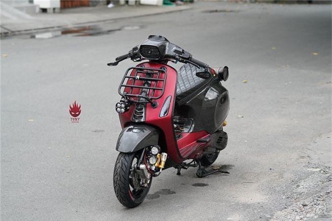 Vespa Sprint do full carbon, phong cach xe dua tai Sai Gon-Hinh-8