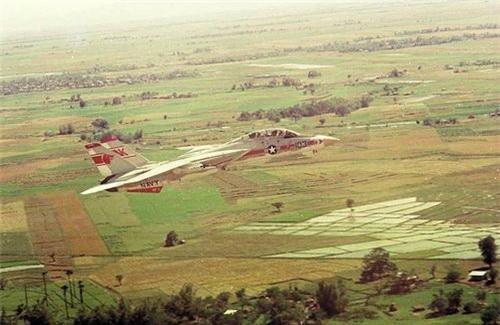 Tiêm kích F-14 Tomcat trên chiến trường Việt Nam. Ảnh: War History Online.