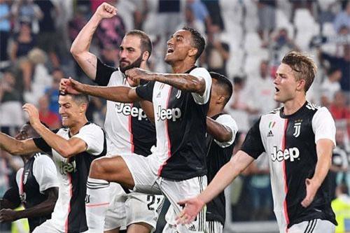 4. Juventus (tổng số tiền mua sắm: 192 triệu euro).