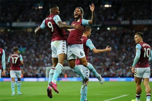 9. Aston Villa (tổng số tiền mua sắm: 148 triệu euro).