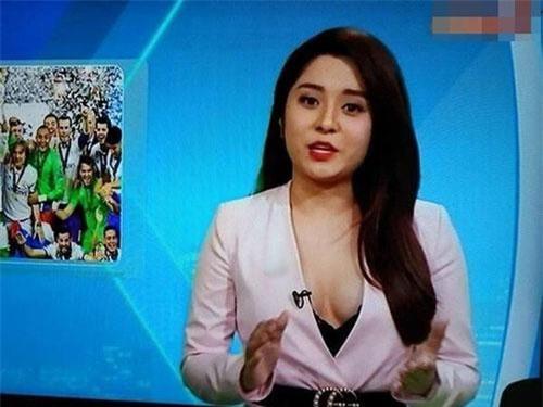 MC Diệu Linh từng dính phải scandal liên quan đến sự cố thời trang.