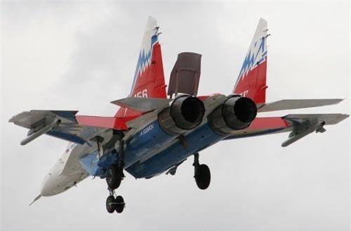 So với MiG-29 đời đầu, MiG-29OVT tăng tầm bay tới 2.100km. Ảnh: Airliners.net