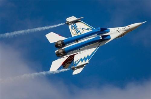 """Nguồn tin của fighter-planes cho rằng, hệ thống điện tử hàng không trên MiG-29OVT tương tự mẫu MiG-29M – biến thể cải tiến mạnh mẽ từ """"trong ra ngoài"""" của dòng MiG-29. Ảnh: Airliners.net"""