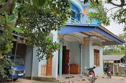 Căn nhà khang trang ở giữa vùng quê xã Phục Linh của anh Nguyễn Văn Hảo.