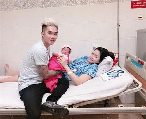 Bà xã Khánh Đơn vừa sinh con gái nặng 3 kg.