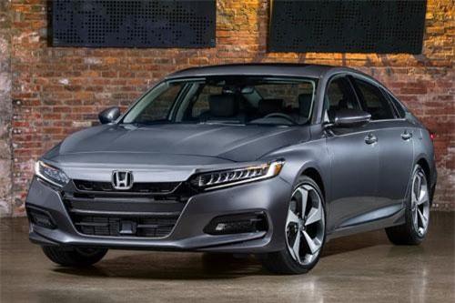10. Honda Accord (doanh số: 30.558 chiếc).