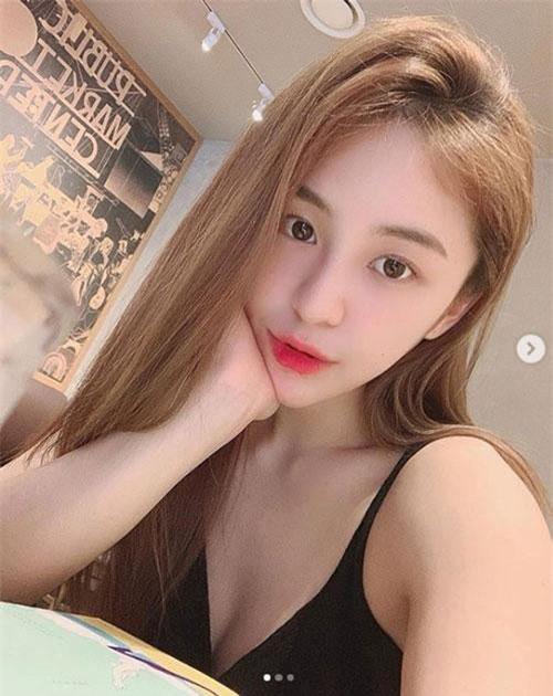 Từng một thời chạy theo tiêu chuẩn vẻ đẹp da trắng mảnh mai song giờ đây, nhiều cô gái tại đất nước kim chi đang cho thấy một trào lưu sắc đẹp mới.