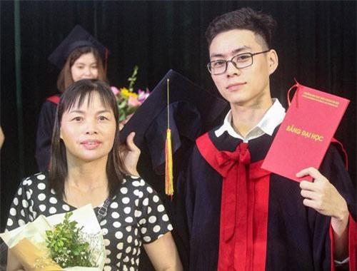 """""""Con nhà người ta"""" trong truyền thuyết là đây: Đinh Trường Giang vừa tốt nghiệp bằng kỹ sư xuất sắc ngành Cơ điện tử của trường ĐH Bách Khoa Hà Nội."""