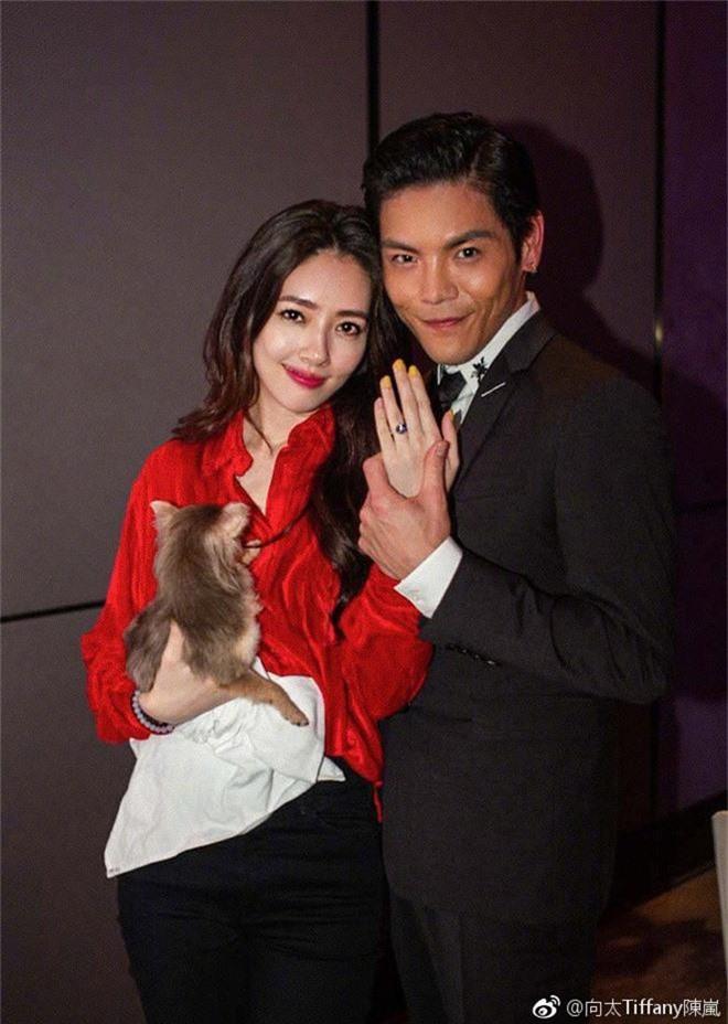 Đám cưới đột ngột nhất Cbiz: Tình cũ Seungri và cháu nội trùm xã hội đen Hong Kong bí mật tổ chức hôn lễ tại Ý - Ảnh 3.