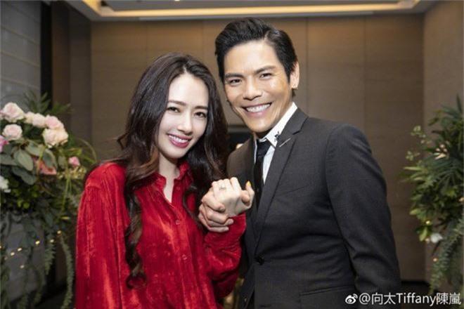 Đám cưới đột ngột nhất Cbiz: Tình cũ Seungri và cháu nội trùm xã hội đen Hong Kong bí mật tổ chức hôn lễ tại Ý - Ảnh 4.
