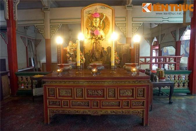 Kham pha ngoi chua Viet lau doi nhat o Thai Lan-Hinh-9