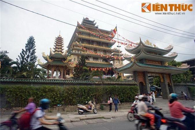 "Kham pha ngoi chua ""cao oc"" doc nhat vo nhi Viet Nam-Hinh-4"