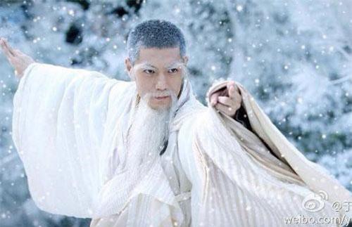 Nam Đế – Đoàn Trí Hưng trong phim Thần điêu đại hiệp.