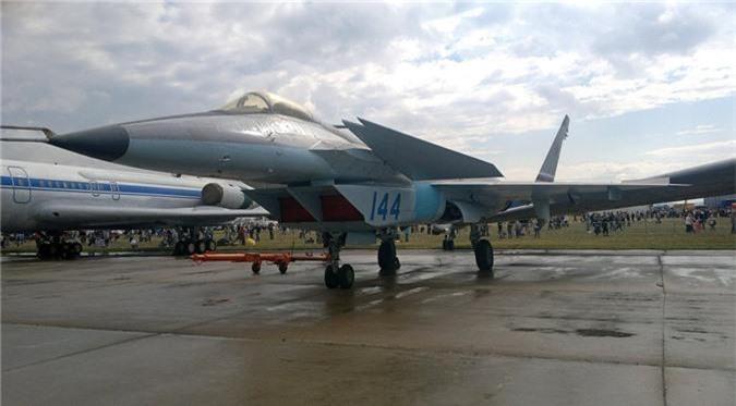 Thich thu truoc doi hinh Su-57 cung 2 sieu co bi an tai MAKS 2019-Hinh-8