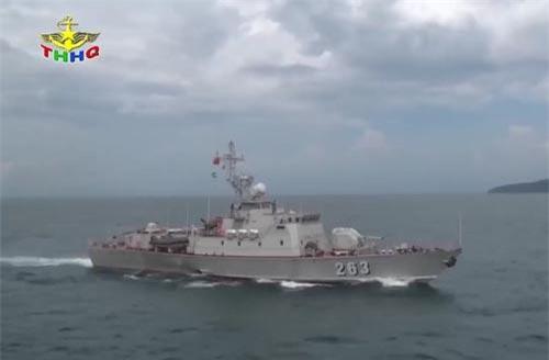 Trong đoạn Video được Truyền hình Hải quân vừa công bố mới đây, có các tàu tuần tra tốc độ cao mang số hiệu 263 và 265 xuất hiện và thực hiện bắn đạn thật tiêu diệt mục tiêu giả định. Nguồn ảnh: THHQ.