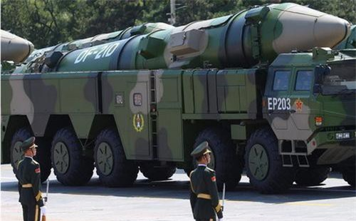 Tên lửa đạo đạo tầm trung DF-21D của Trung Quốc. Ảnh: China Military.