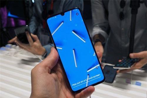 Galaxy A90 5G là smartphone đầu tiên trong dòng Galaxy A hỗ trợ kết nối mạng 5G, Samsung DeX.