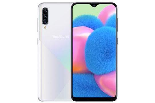 """""""Trái tim"""" của Samsung Galaxy A50s là chip Exynos 9610 lõi 8 với xung nhịp tối đa 2,3 GHz, GPU Mali-G72 MP3. RAM 4 GB/ROM 64 GB hoặc RAM 6 GB/ROM 128 GB, có khay cắm thẻ microSD với dung lượng tối đa 512 GB. Hệ điều hành Android 9.0 Pie, được tùy biến trên giao diện One UI 1.5."""