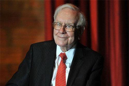 Làm thế nào tỷ phú hàng đầu như Warren Buffett đóng mức thuế còn thấp hơn cả thư ký của ông?