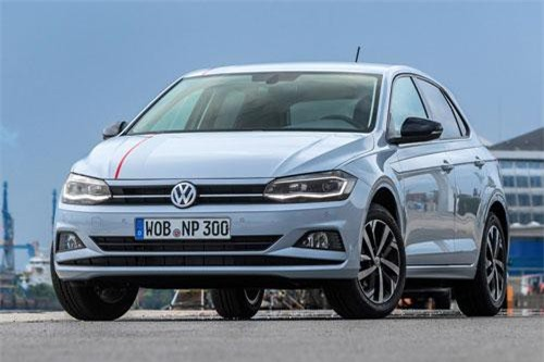 1. Volkswagen Polo (doanh số: 319.644 chiếc).