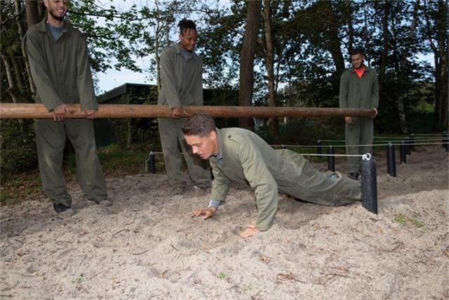 Văn Hậu vắng mặt trong buổi tập quân sự của Heerenveen - 3
