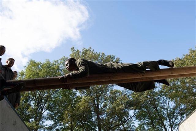 Văn Hậu vắng mặt trong buổi tập quân sự của Heerenveen - 4