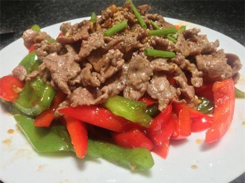 Cho thứ này vào ướp cùng thịt, món thịt heo xào lăn sẽ mềm ngon, thơm lừng khắp xóm