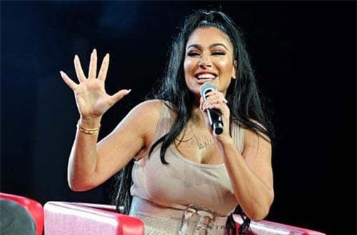 Huda Kattan, 35 tuổi, người sáng lập thương hiệu mỹ phẩm Huda Beauty vào năm 2013.