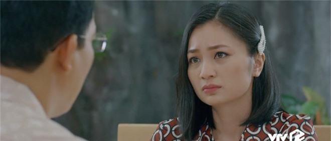 Giả thuyết: Thái không phải là gã chồng duy nhất sắp bị vợ bỏ trong Hoa Hồng Trên Ngực Trái, Dũng - chồng San cũng sắp ra rìa?  - Ảnh 2.