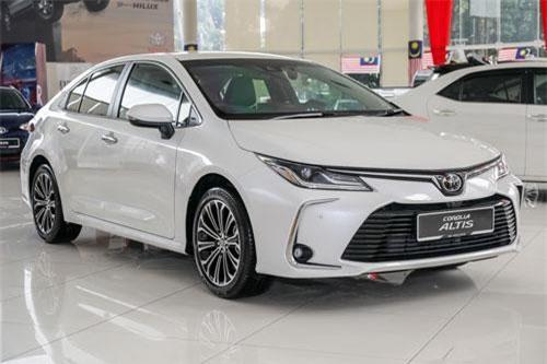 Chiêm ngưỡng vẻ đẹp của Toyota Corolla Altis 2019, giá gần 760 triệu