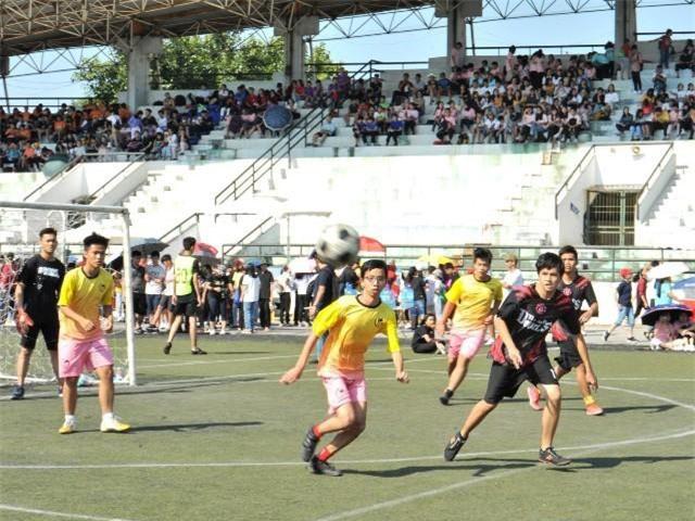 Giải bóng đá giao hữu các khối cấp 3
