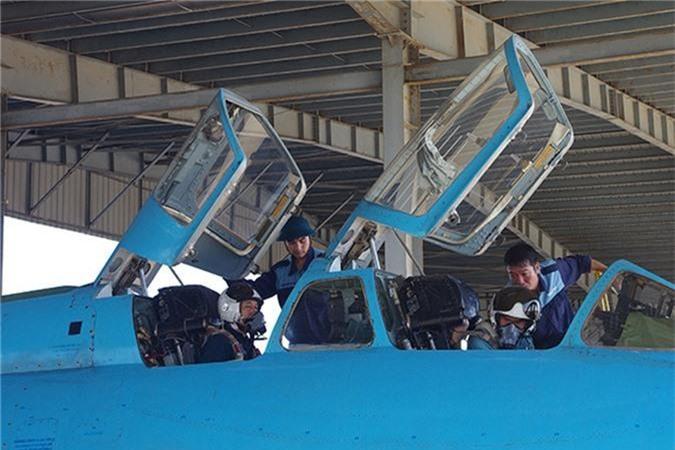 Bat ngo kha nang chien dau cua may bay huan luyen Su-22UM3K Viet Nam-Hinh-3