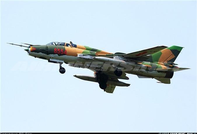 Bat ngo kha nang chien dau cua may bay huan luyen Su-22UM3K Viet Nam-Hinh-8