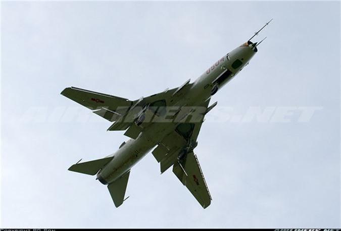 Bat ngo kha nang chien dau cua may bay huan luyen Su-22UM3K Viet Nam-Hinh-9