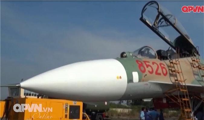 """Viet Nam """"tang tuoi tho"""" may bay Su-27 hien dai the nao?-Hinh-10"""