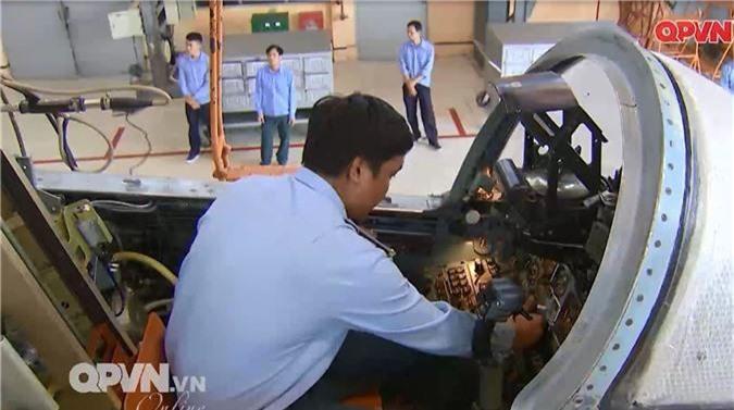 """Viet Nam """"tang tuoi tho"""" may bay Su-27 hien dai the nao?-Hinh-12"""