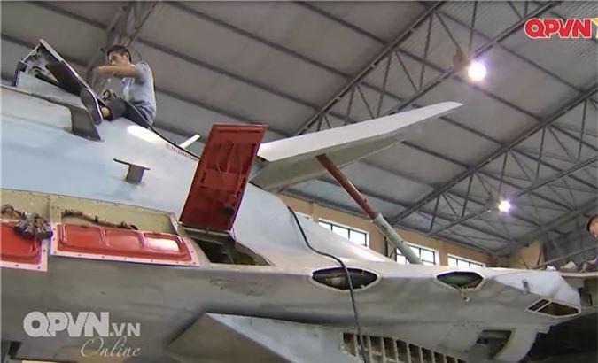 """Viet Nam """"tang tuoi tho"""" may bay Su-27 hien dai the nao?-Hinh-5"""