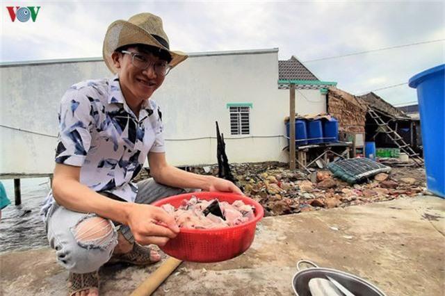 Khám phá nghề nuôi cá lồng bè thu tiền tỷ ở Nam Du - Ảnh 16.