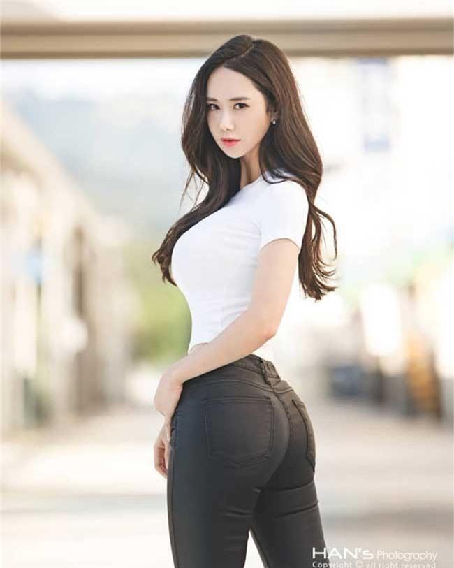 """mac jean 3 co gai han cung khoe duoc duong cong """"than thanh"""" hinh anh 3"""