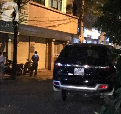 Hà Nội: Xế hộp mất lái tông một loạt người đi đường khiến bà bầu và 2 người khác nhập viện cấp cứu - Ảnh 2.