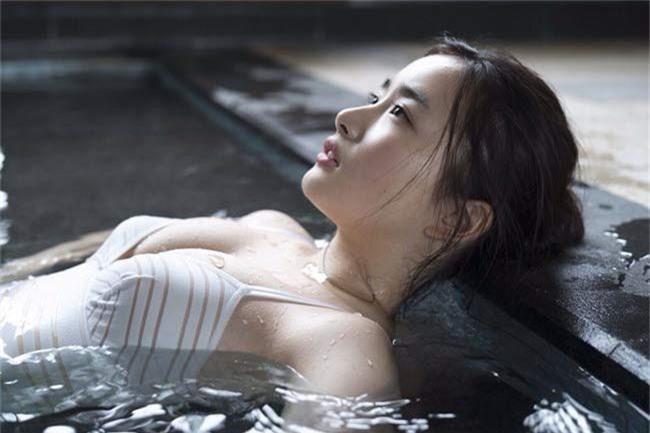 Nhan sắc nóng bỏng của hai mỹ nhân có vẻ đẹp gợi cảm bậc nhất Nhật Bản - Ảnh 16.