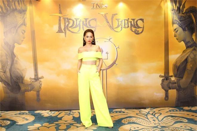 Mời đi họp báo Sức Mạnh Trâm Cài, Trương Ngọc Ánh úp sọt khán giả công bố dự án điện ảnh Trưng Vương - Ảnh 5.