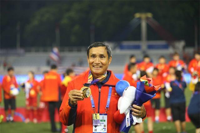 """HLV Mai Đức Chung: """"Tôi hạnh phúc vì lại thắng Thái Lan để giành HCV"""" - 1"""